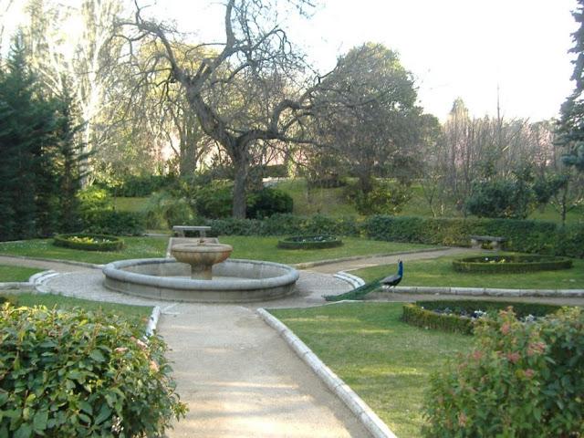Conocer madrid jardines del campo del moro y de sabatini for Jardines del moro