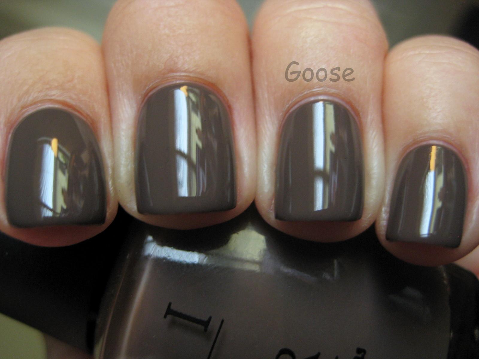 Goose\'s Glitter: New Nail Shape + Old Favorite