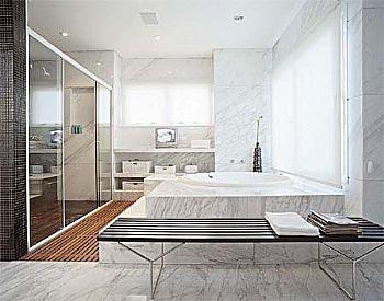 banheiros modernos com banheiras