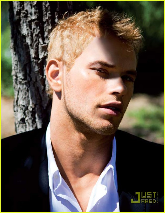 Kellan Lutz NEW photoshoot YUmmy!