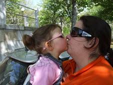 Adoro estas beijocas da minha filhota