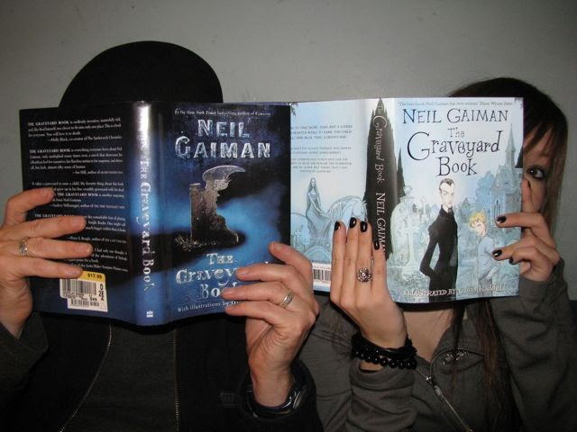 Sue eves neil gaiman in london with the graveyard book solutioingenieria Gallery