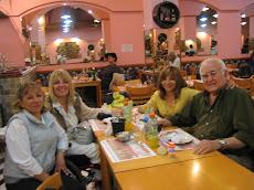 Cena en Restaurante Gran Morón con mis amigos/as Delfor, Nieves y Amanda