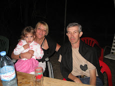 Con mi nietita Naira y con mi hermano Leonardo en Diciembre de 2009.