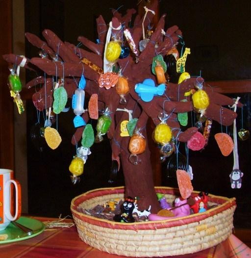 Albero meraviglioso: come costruire un albero di carta pesta (e