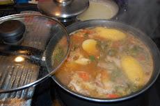 Una Sopa de Costilla y Arroz Blanco