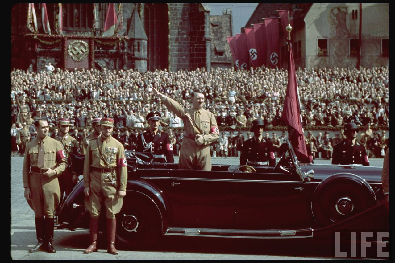 Apelo de Hitler sobrevive 65 anos após sua morte