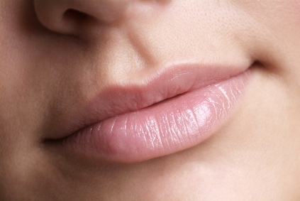 Tips Mengatasi Bibir Kering