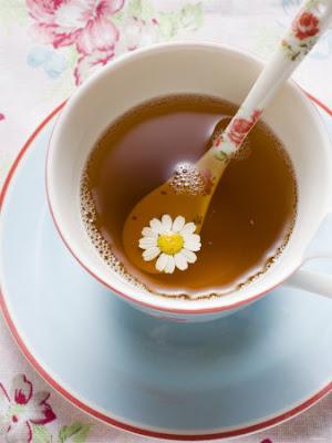 EL HILO DE LOS AMIGUETES III. - Página 40 954029%7EChamomile-Tea-in-Cup-with-Spoon-Posters
