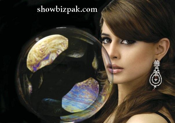 http://2.bp.blogspot.com/_fKO2L8Xl6TE/TBKjlG8tIoI/AAAAAAAACMM/o7Zg_fnzFKE/s1600/mehreen4.jpg