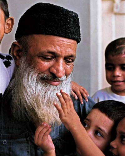 oneheartforpeace: THE EDHI FOUNDATION: Recommended for Flood Victims
