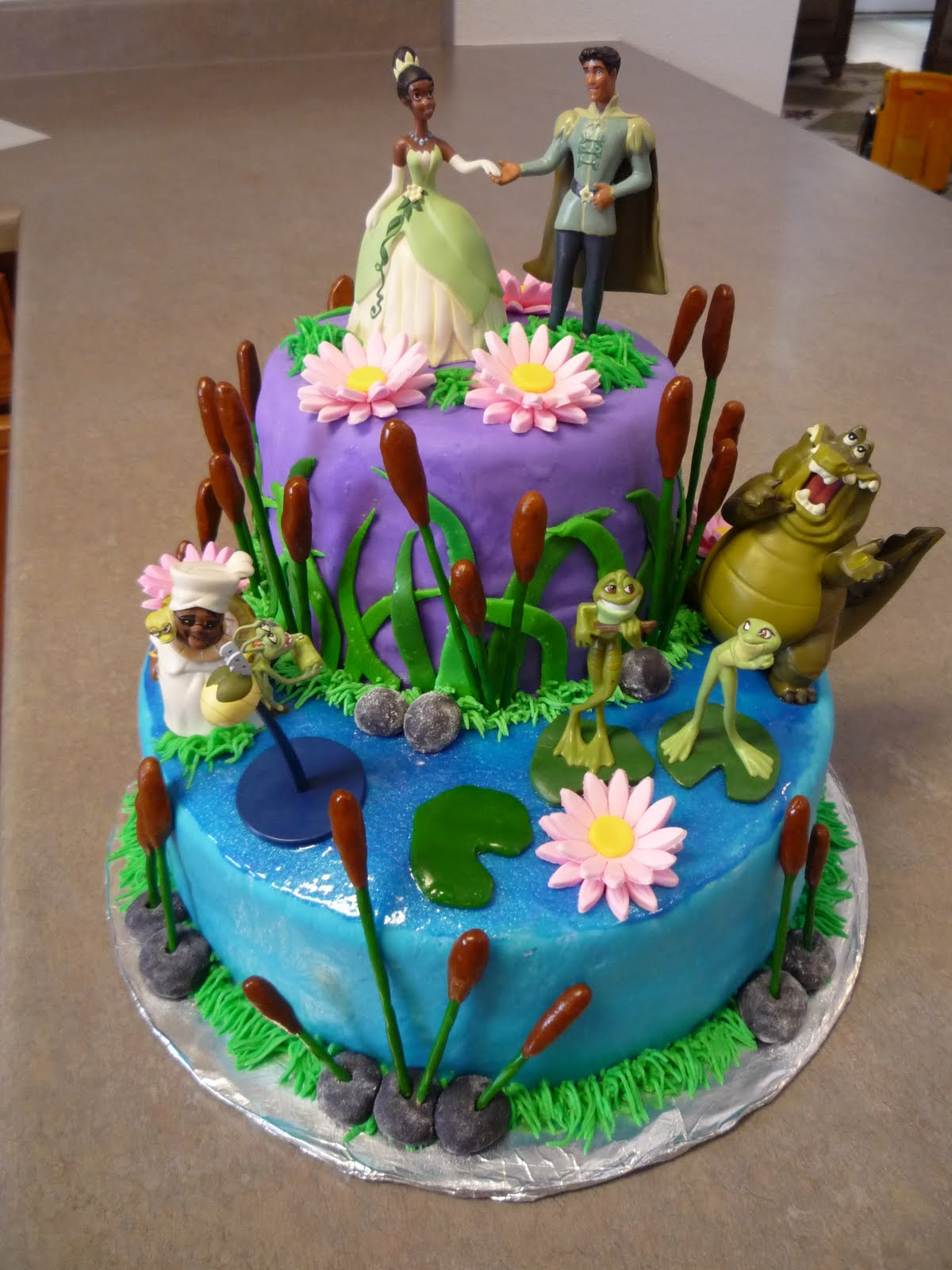 Princess Tiana Cake Pictures : Kikin Kakes: Princess and The Frog Birthday Cake