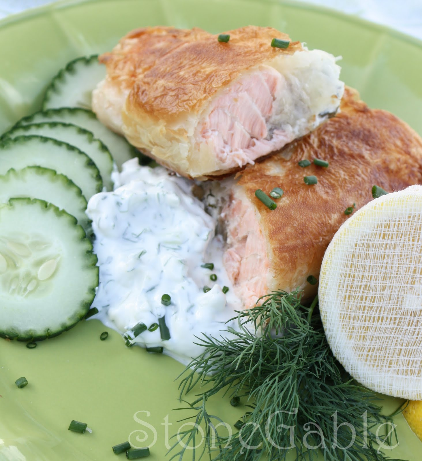 Stonegable Salmon En Croute With Cucumber Dill Sauce
