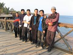 bersama teman-teman semasa jaulah Thur Sina
