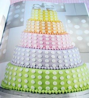 Un livre pour la pâte à sucre: Celebrate with fondant (Wilton) 7