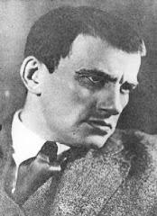 poeta russo diz haver no Brasil um homem feliz