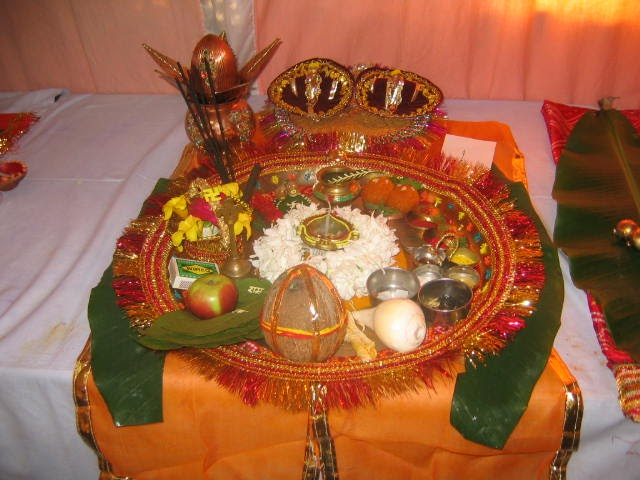 Art craft pooja thali for Aarti thali decoration with flowers