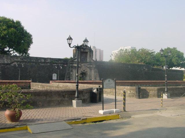 Makasaysayang Pook - Ang Fort Santiago