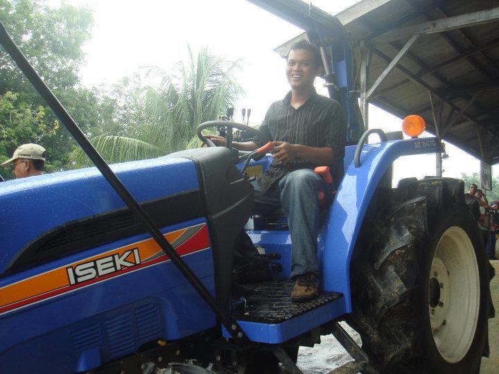 ISEKI Tractor 4 WD