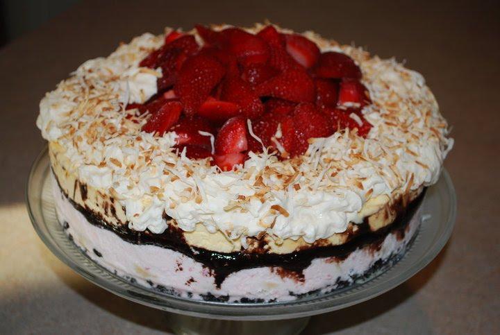 gEt iN tHe KiTcH: Banana Split Ice Cream Cake for Dick's 27th ...