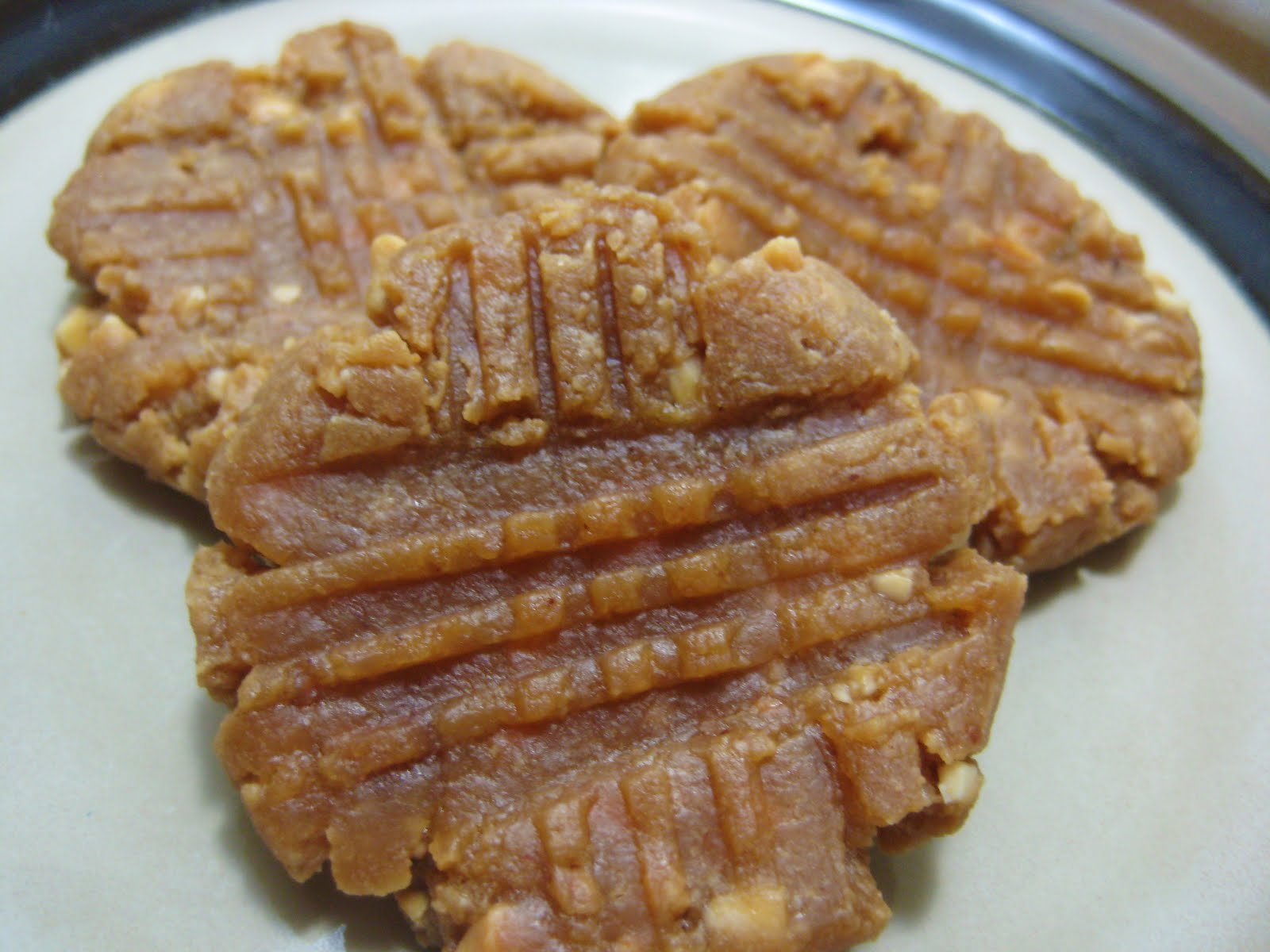 Flourless peanut butter cookies ~ Stuff I Make My Husband