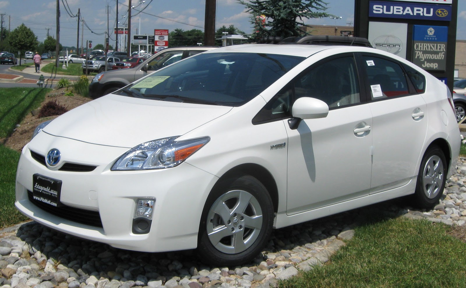 Toyota prius replaces corolla as the bestselling vehicle in japan