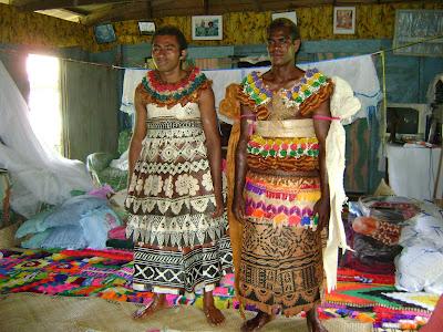 Tonga Traditional Wedding Dress http://bloggingwithtaylar.blogspot.com/2009/01/pictures.html
