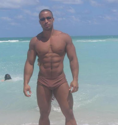 free gay muscleman movie clips