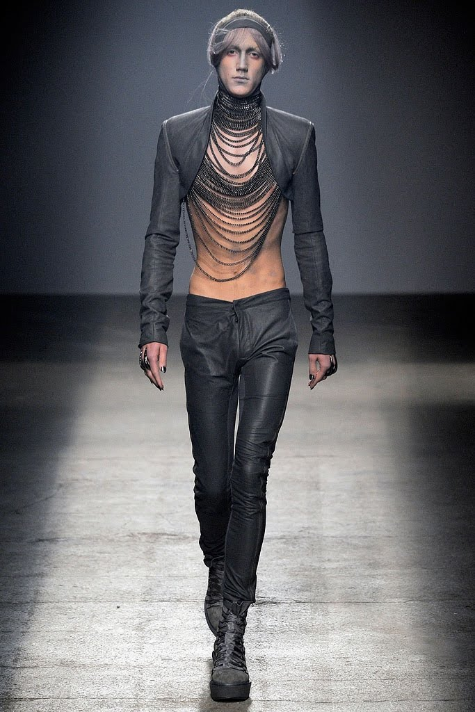 Edge Of The Plank Gareth Pugh Spring 2010 Mens Collection