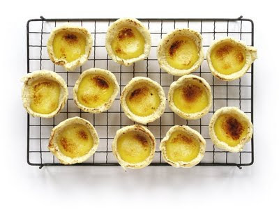 pastis de nata on cooling rack