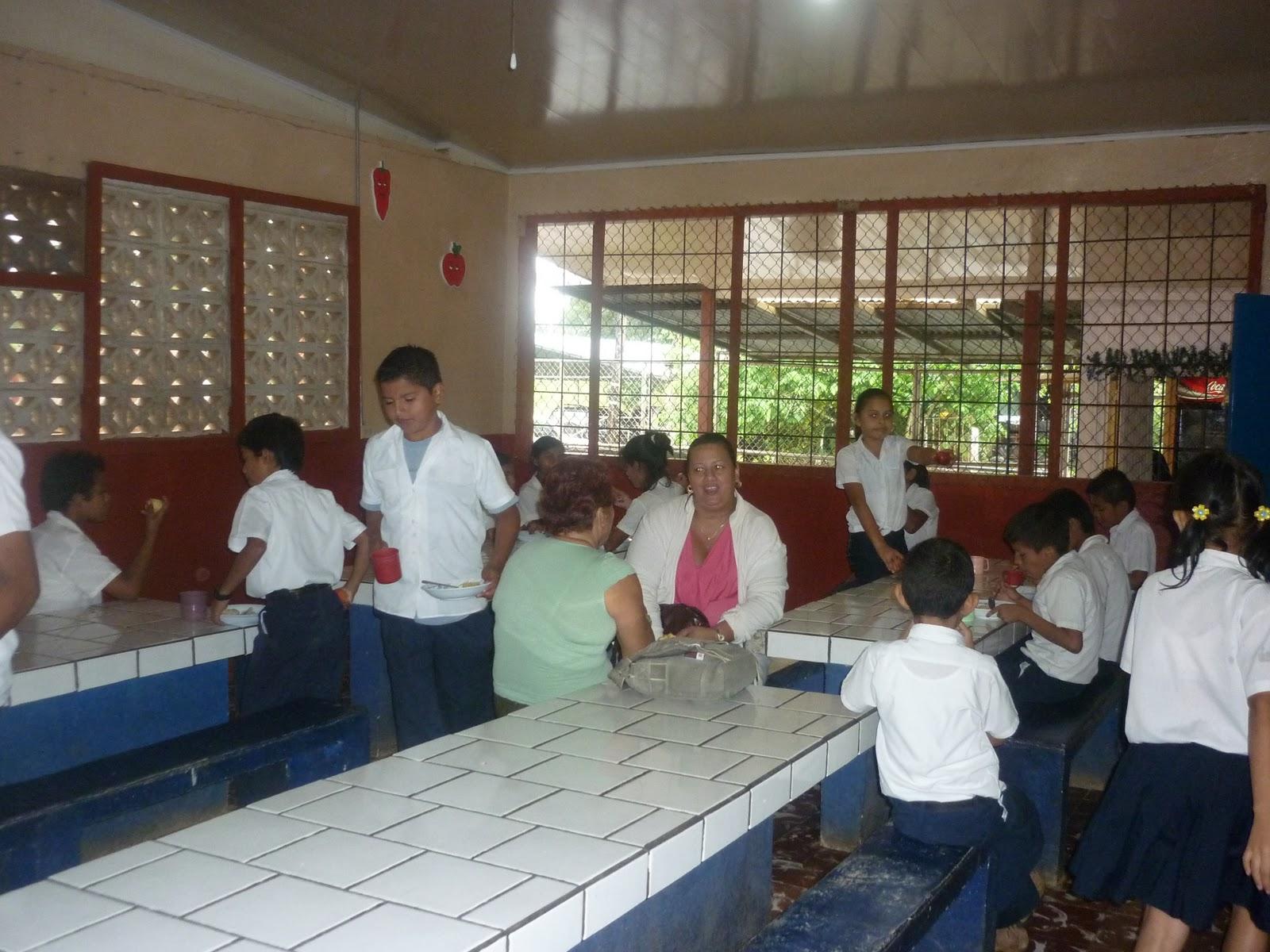 Laboratorio de inform tica escuela santa rita comedor for Comedor de escuela