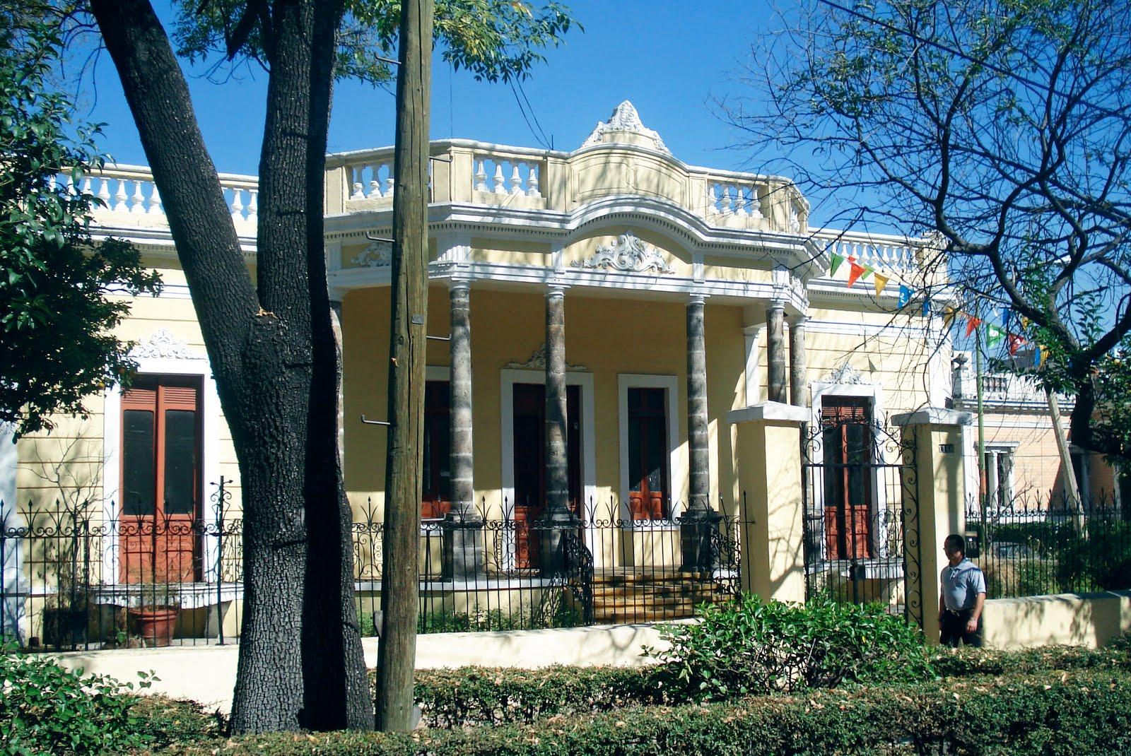 Revisiones de guadalajara ficha av vallarta 1168 casa for Arquitectura eclectica