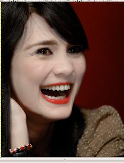 Luna Menjadi Drakula dengan GIMP