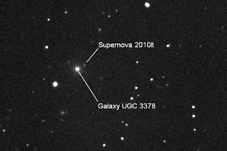 Fotografía de la Supernova 2010lt y su galaxia