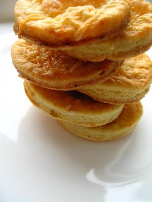 Articole culinare : Biscuiti sarati cu aluat de cartofi