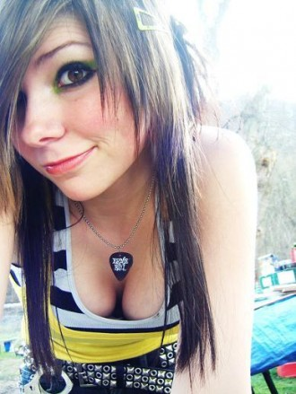 Long Emo Hair Styles for Hot Emo Girls