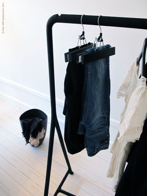 Bellas väg tillbaka Turbo klädställning och galgar från kemtvätten