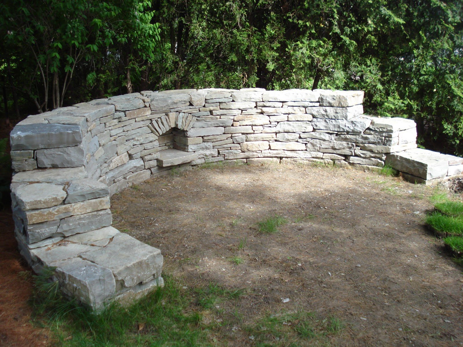Dry stone walling curved wall by menno braam for Curved wall