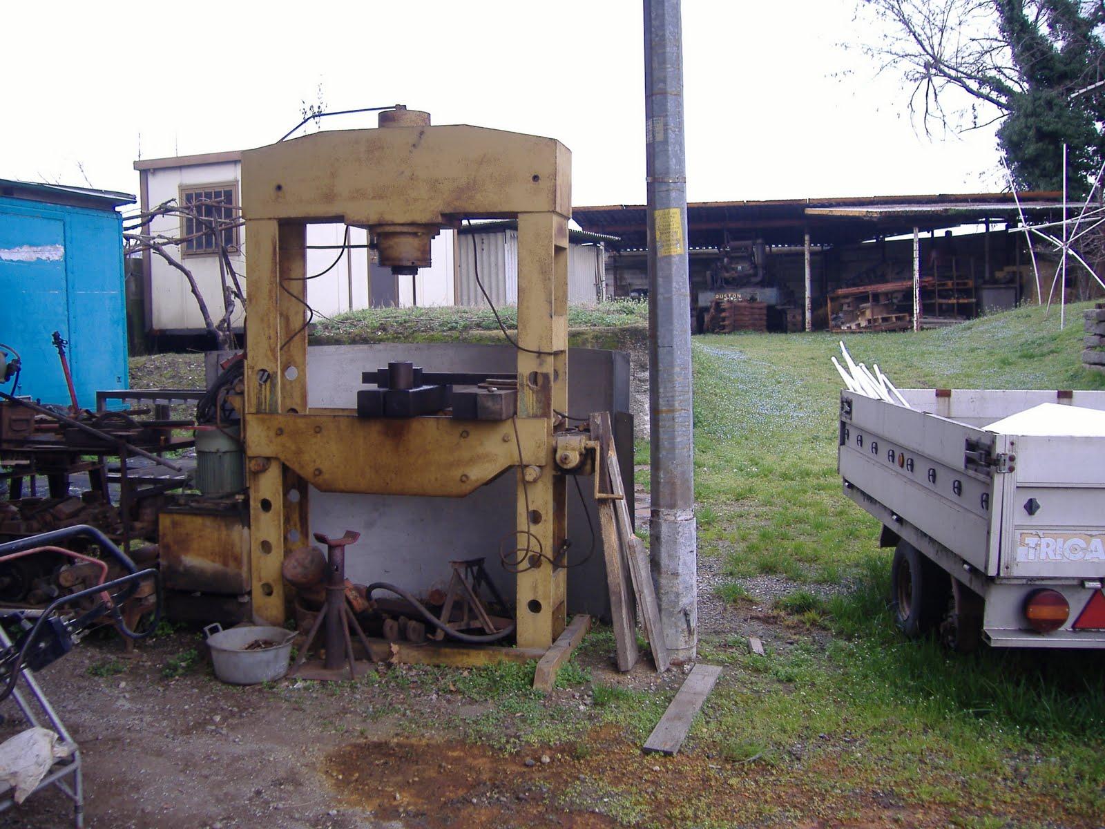 Benvenuti in punto bagno pressa idraulica 100 tonnelate for Pressa idraulica 100 ton usata