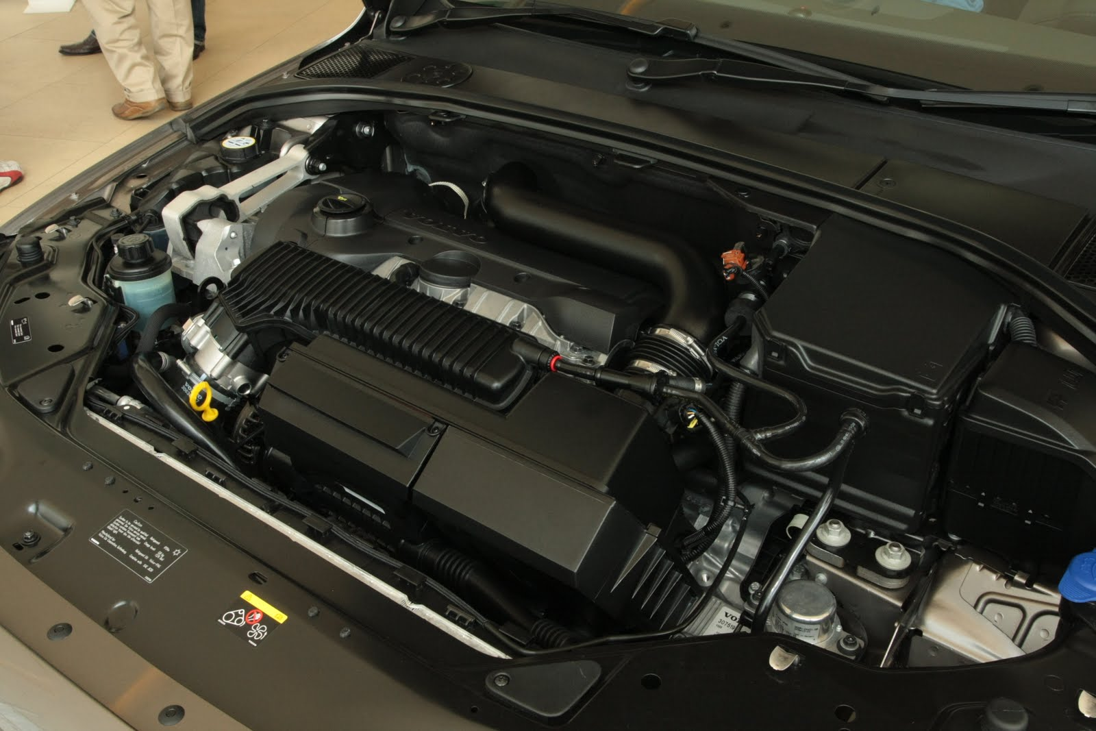 new 2 5 turbo engine there are a lot of differences from the current one here are some of the differences based on engine specs between the new s80