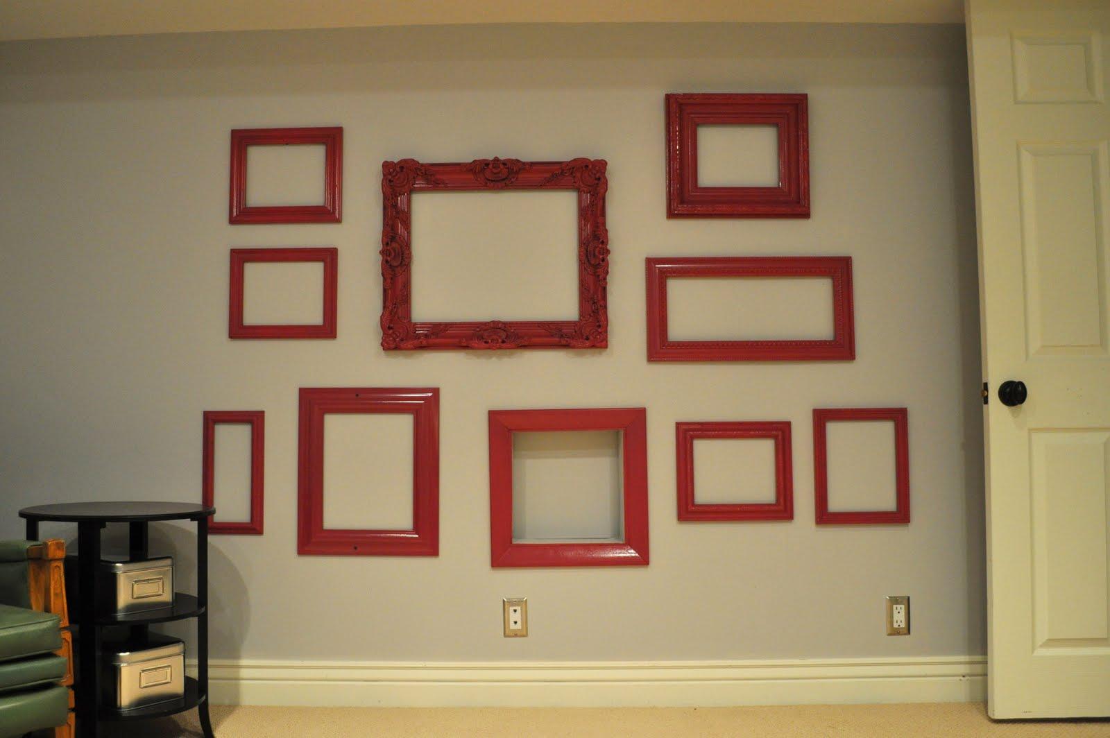 I Am Momma - Hear Me Roar: Empty Frames on my Wall