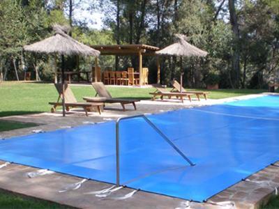 Zuri sarria cubiertas para piscinas for Cubiertas de lona para piscinas