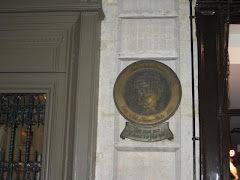 Efigia Iuliei Hasdeu pe casa in care a locuit (28, rue St. Suplice)