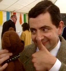 Mr. Bean e seu ursinho Teddy aprovam este blog