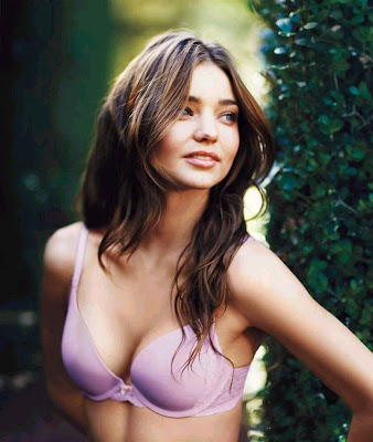 Miranda-Kerr-Victorias-Secretbiography, camera digital, canon, fashion, miranda kerr, model, mp3, music, photo, photos, supermodel, top model, victoria's secret, video, videos