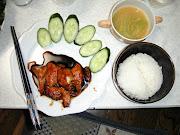 鶏胸肉が余りまくってましたので、調理。 さすがに白ワインソースばかりでは .