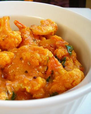 FoodCraze: Aloo Gobi Curry (Potato Cauliflower)