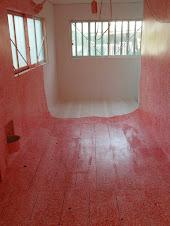 『赤い記憶』/「赤い部屋」(奥から)
