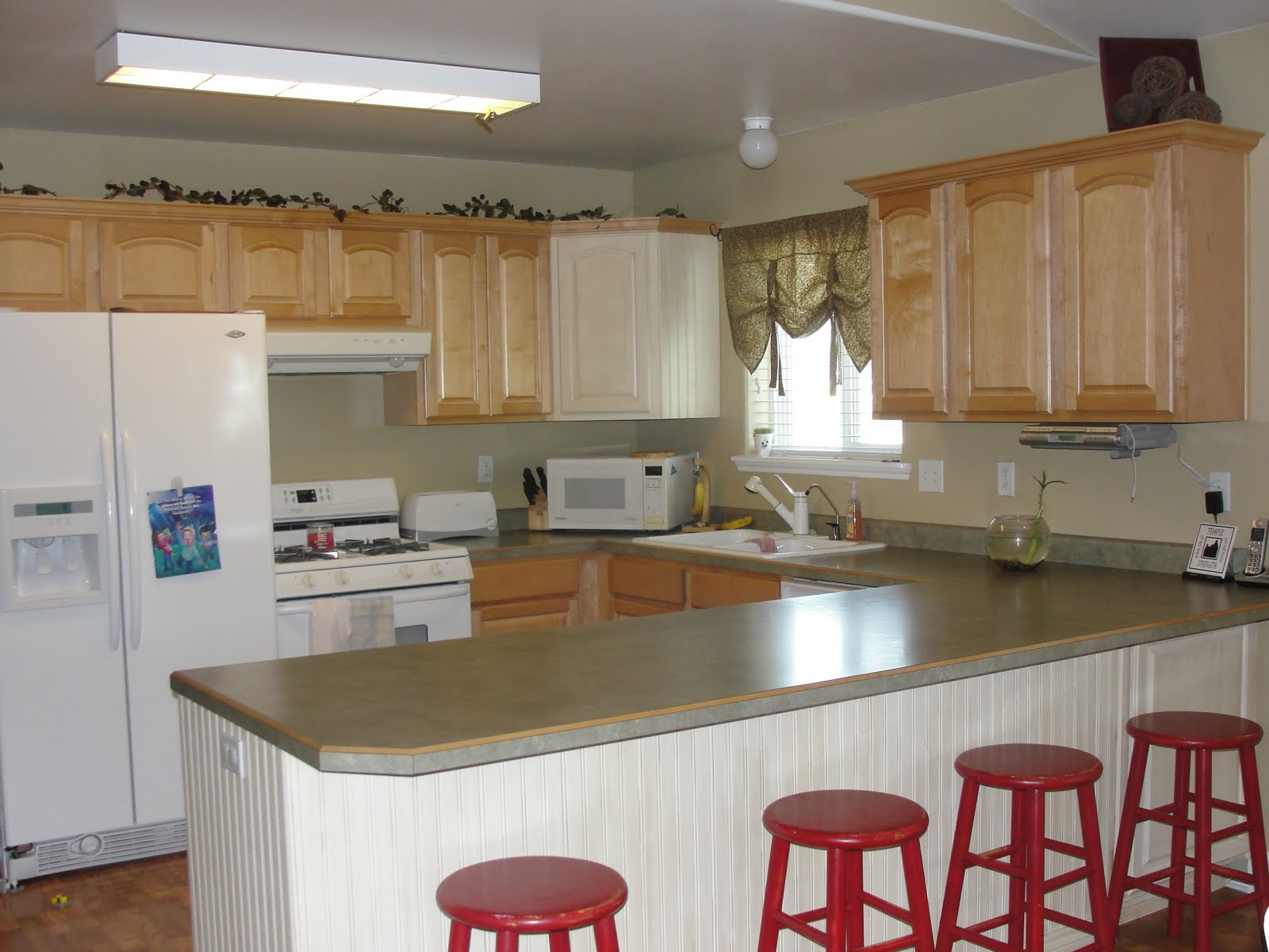 gerber daisies and giggles diy kitchen cabinet facelift give your kitchen cabinets a facelift