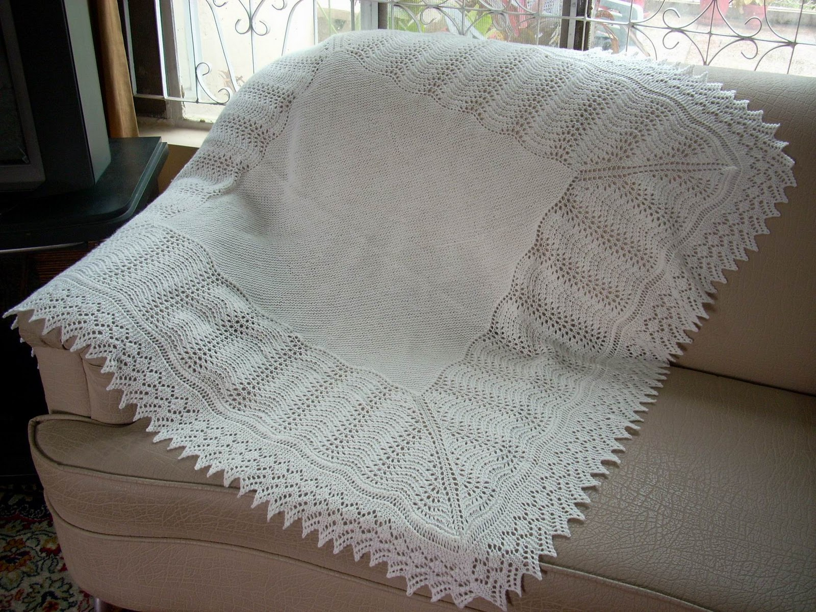 Free Knitting Patterns For Baby Blankets And Shawls : Umme Yusuf: Shetland Baby Blanket/Shawl